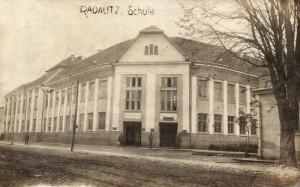 Școala în 1917